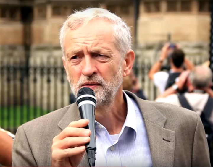 Jeremy Corbyn en la convención de los socialistas europeos: «El sistema neoliberal no funciona, hay que proponer alternativas radicales»