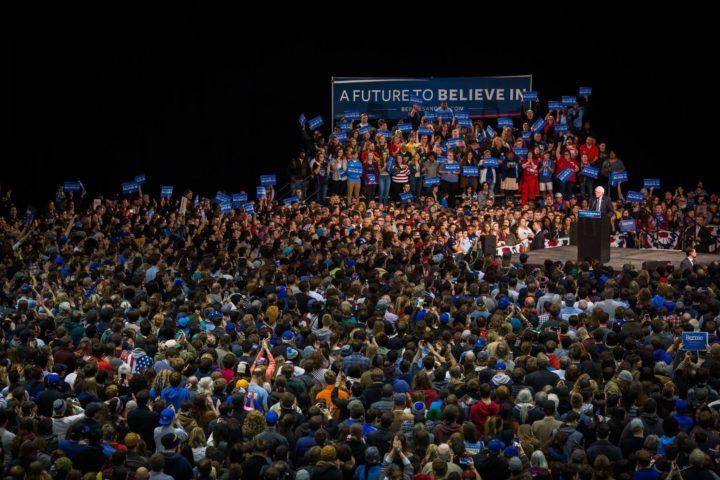 Bernie Sanders apoya a Hillary Clinton. ¿Y ahora qué?
