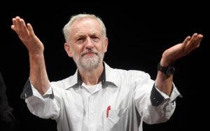Il golpe contro Jeremy Corbyn è un caso in cui le élite cercano di schiacciare le aspirazioni popolari