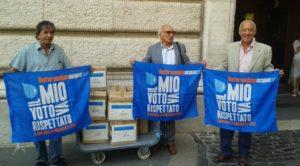 Il Forum Acqua consegna 230.000 firme alla Presidente Laura Boldrini