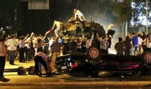 Denkpause nach dem nächtlichen Putsch in der Türkei