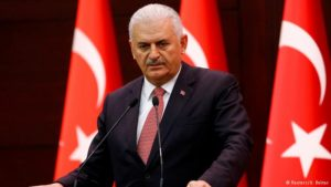 """Governo turco admite que pode haver """"injustiça"""" na repressão pós-golpe"""