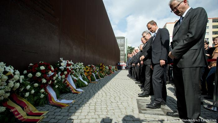 Berlin holds ceremony to mark building of Wall in 1961