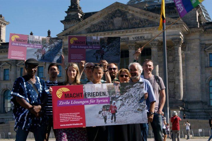 """Kampagnenstart """"Macht Frieden. Zivile Lösungen für Syrien."""""""