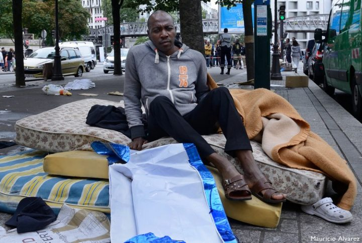 Accueil-des-migrants----Paris-O---sont-pass--es-les-valeurs-dEgalit---et-de-Fraternit---Migrants-Jaures-2