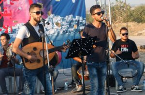 Gaza, non ci fanno uscire e noi suoniamo sul confine