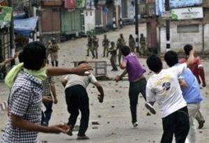 Aumenta la violencia en Cachemira india, tras casi un mes de paro