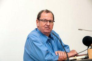 Uwe Kullnick: Literatur, sozio-politisches Engagement und Autoren als kritischer Spiegel der Gesellschaft