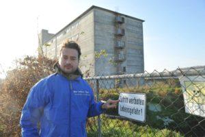 Erfolg: Staatsanwaltschaft ermittelt gegen Schweinehochhaus