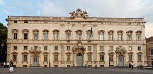 Perché la Corte Costituzionale potrebbe aiutare Matteo Renzi