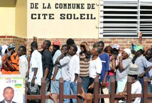 Quase 30 candidatos disputam a presidência no Haiti em meio a denúncias de fraudes e protestos
