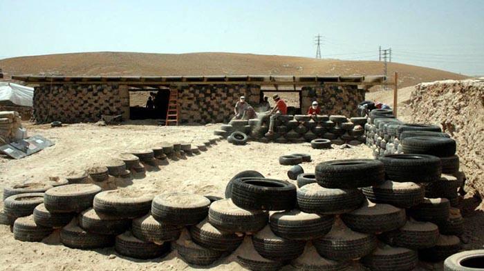 Palestina, la scuola di gomme di nuovo a rischio