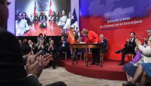Chilenos podrán votar desde el exterior