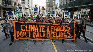 Canada: 99 fermati durante una protesta per chiedere la fine degli oleodotti da sabbie bituminose