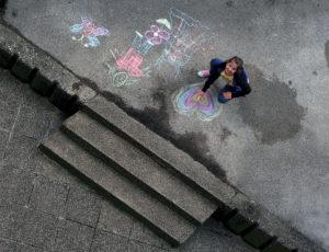 """Milano, immagini di pace e campagna """"Un'altra difesa è possibile"""""""