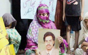 Pakistan, sospesa in extremis l'impiccagione di un prigioniero schizofrenico