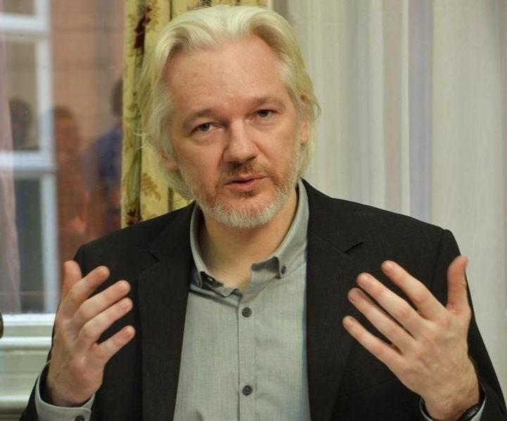 Ecuador taglia internet ad Assange