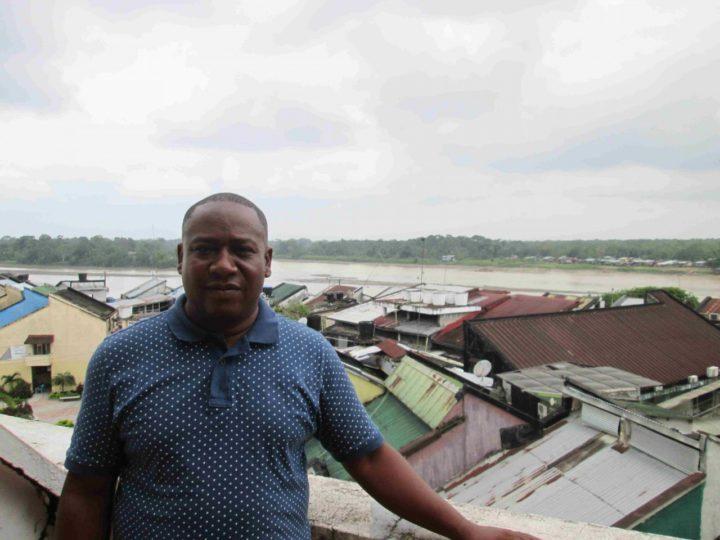 Leyner Palacios, membro do Comitê pelos Direitos das Vítimas de Bojayá, perdeu 28 parentes e quatro amigos no massacre de 2002. Imagem Calle2