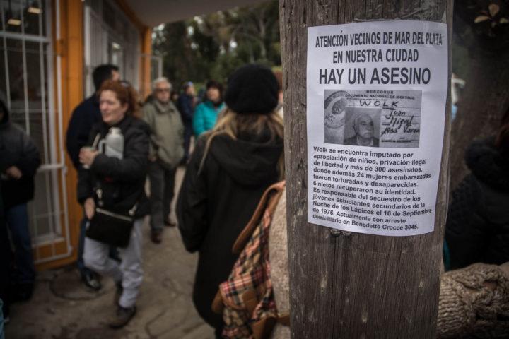 Genocidas en el barrio: repudio al Nazi Wolk en Mar del Plata