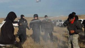 North Dakota: la polizia arresta più di cento protettori dell'acqua