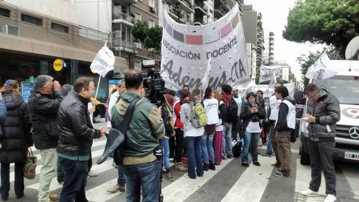 Docentes argentinos rechazaron la evaluación estandarizada «Aprender 2016»
