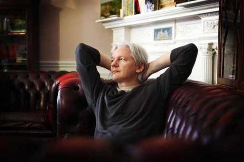 Julian Assange ohne Netz