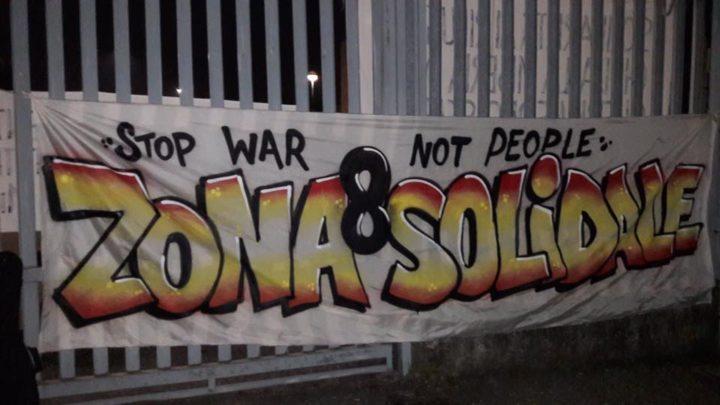 """Milano, manifestazione """"Stop war, not people – Qui nessuno è straniero"""""""