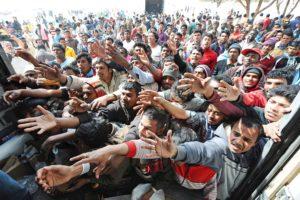 """Rifugiati: dal """"vade retro"""" al grande business"""
