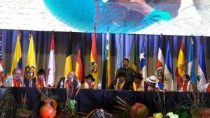 Evo llama a enfrentar a medios hegemónicos y a defender derechos colectivos
