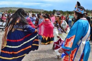 """Nativi americani in lotta contro il """"grande serpente nero"""""""