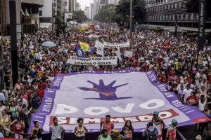 """Acto """"Fuera Temer"""" reúne 40.000 personas en San Pablo"""