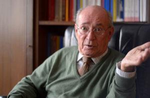 El juez de control del CIE de Madrid: «Quienes denuncian maltrato suelen ser deportados rápidamente»