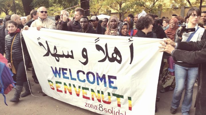 Milano, migliaia di persone alla festa di benvenuto per i profughi