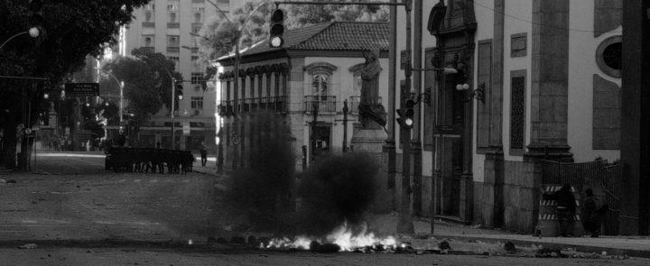 Rio de Janeiro: tornano a intensificarsi le proteste di fronte alla grave crisi dello Stato