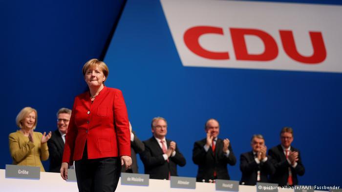 Support, sarcasm after Merkel calls for banning burqas