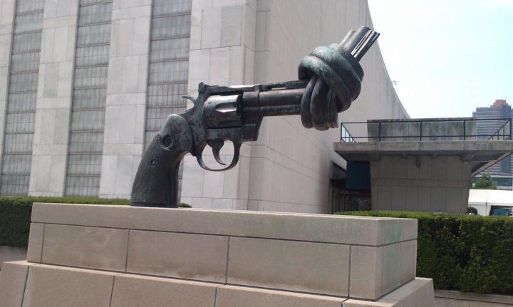 Ποίηση αντί για πόλεμο: δράση συμβολική ή κάτι παραπάνω;