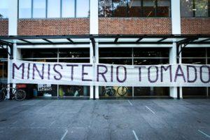 Argentina: funcionários ocupam Ministério da Ciência contra cortes em órgão de fomento à pesquisa