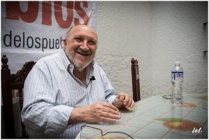 """Entrevista a Aram Aharonian, fundador de TeleSur: """"El mensaje contrahegemónico significa tener una agenda y un formato propio"""""""