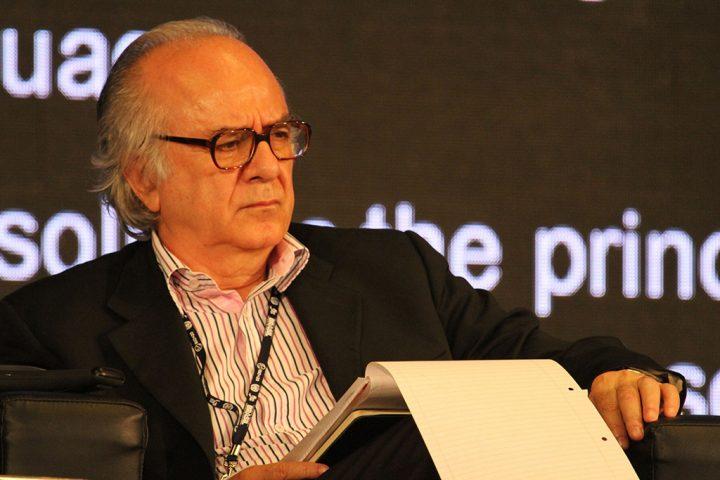Boaventura de Sousa Santos: mundo caminha para rupturas