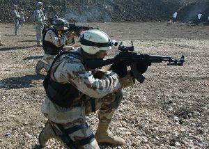 Trasferimenti di armi alimentano i crimini di guerra delle milizie irachene