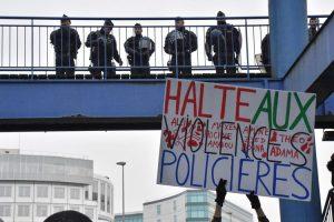 Manifestación de apoyo a Théo: un llamado persistente de justicia y respeto.