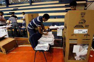 Continúa conteo de votos tras sufragios generales en Ecuador