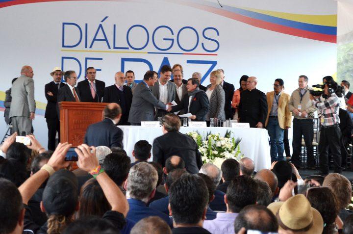 """Diálogos de paz: """"La paz solo la hacen los valientes"""""""
