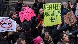 USA, proteste anti Trump da costa a costa