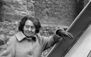 """""""Μίλενα από την Πράγα"""": δυο ερωτευμένες γυναίκες σε στρατόπεδο συγκέντρωσης"""