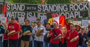 500.000 firmas para pedir al BBVA que no financie el oleoducto DAPL, en USA