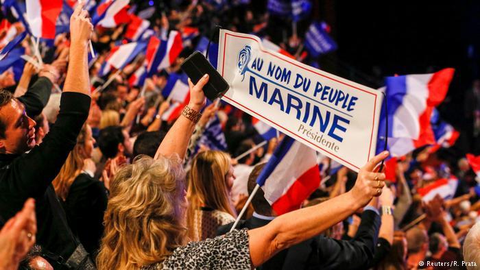 Populismus – Annäherung an ein Phänomen