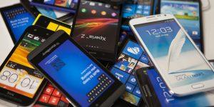 Greenpeace: 10 anni di smartphone, occorre riciclare i rifiuti elettronici