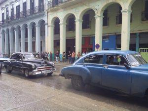 Buenos días,cubano