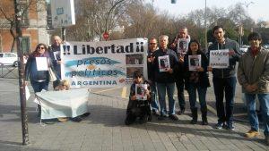 Aplican Ley Mordaza a manifestantes pacíficos, que denunciaban a Macri